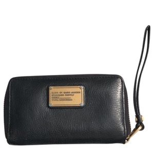 Marc Jacobs Wingman Wristlet Wallet